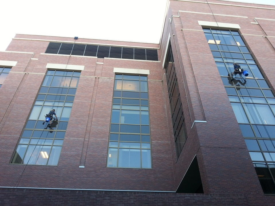 window-cleaners-943047_960_720