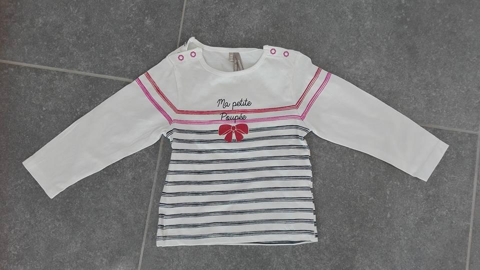 Dit shirtje kocht ik in Frankrijk, was zo goedkoop. Ik vond het weer eens wat anders en het staat haar heel leuk.